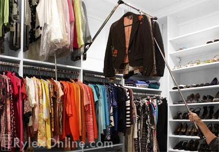 Closet With Wardrobe Lift Telescopic Rod